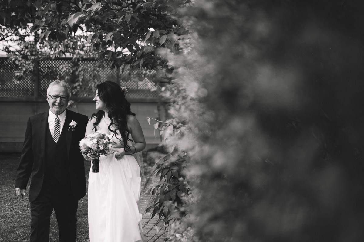 greenhouse-wedding-muskoka-wedding-photographer-danielle-meredith-23