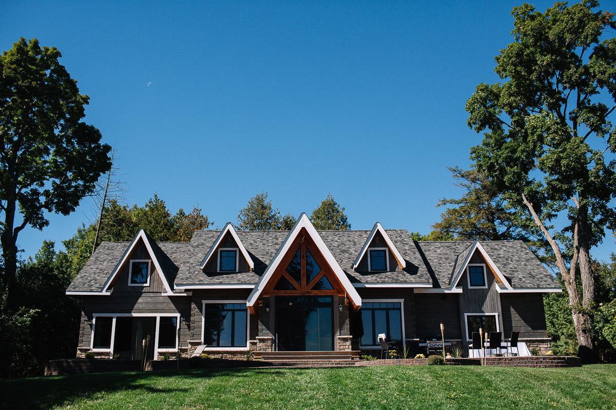 backyard cottage wedding in bobcaygeon ontario